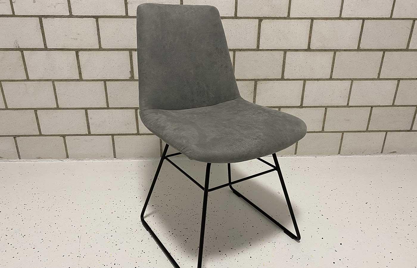 Stuhl Drahtfuss schwarz matt